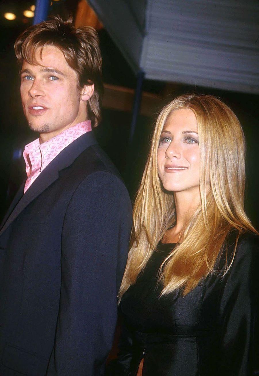"""Brad Pitt et Jennifer Aniston à la première du film """"Fight Club"""" à Los Angeles en octobre 1999"""