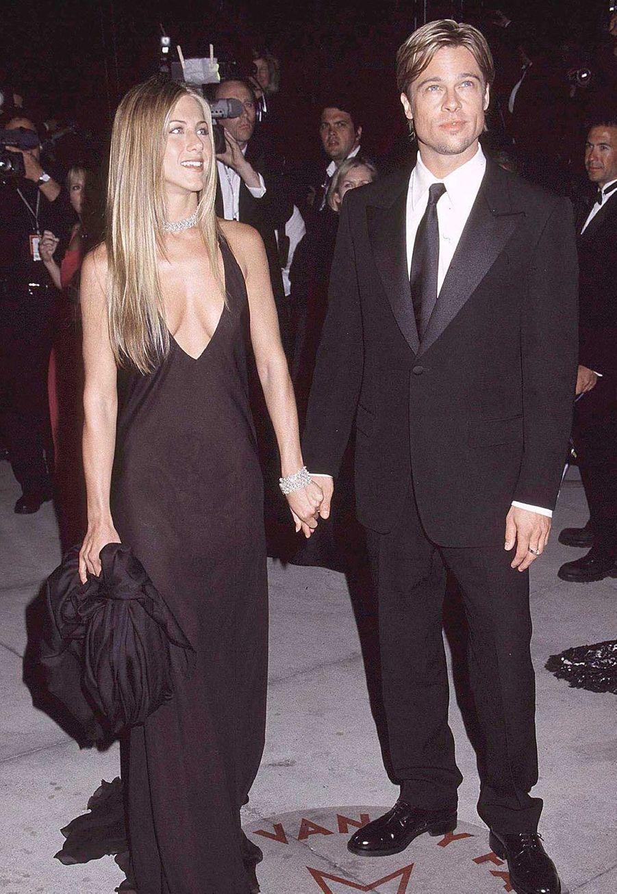 Jennifer Aniston et Brad Pitt à la soirée Vanity Fair pour les Oscars en mars 2000