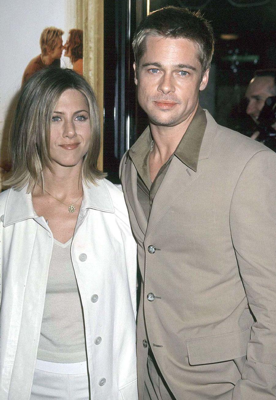"""Jennifer Aniston et Brad Pitt à la première du film """"The Mexican"""" à Los Angeles en février 2001"""