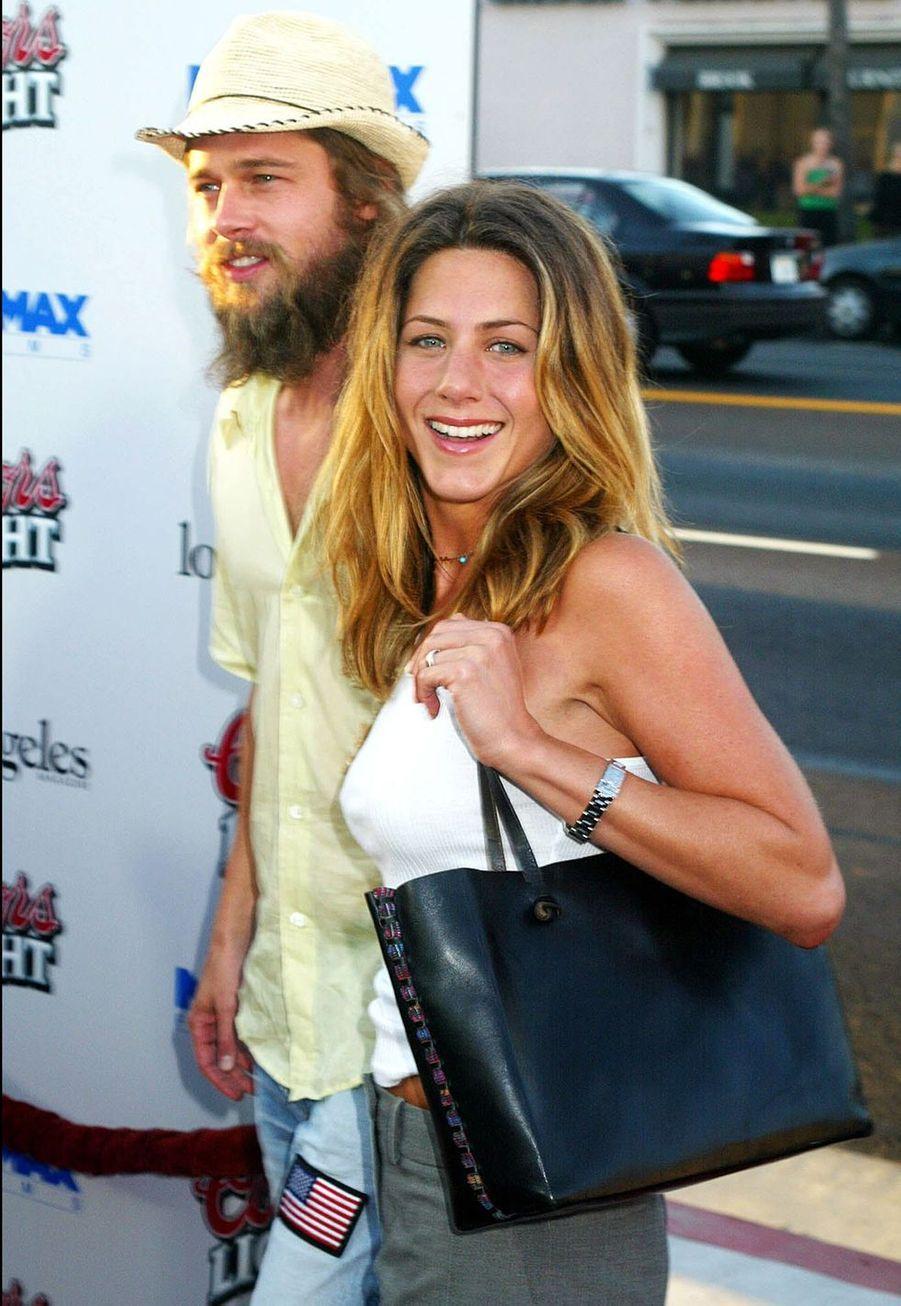 """Jennifer Aniston et Brad Pitt à la première du film """"Full Frontal"""" à Los Angeles en juillet 2002"""