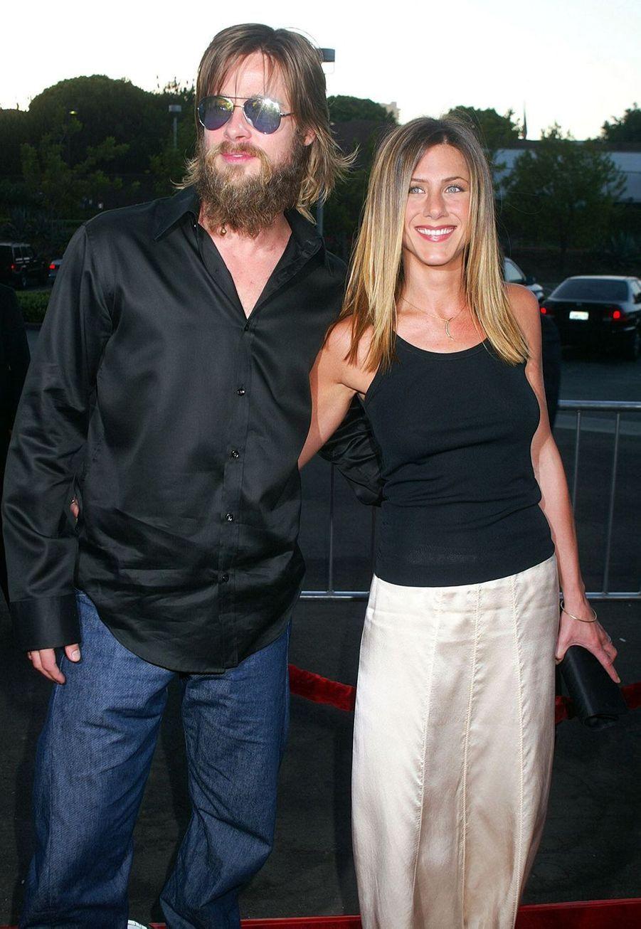 """Jennifer Aniston et Brad Pitt à la première du film """"The Good Girl"""" à Los Angeles en août 2002"""