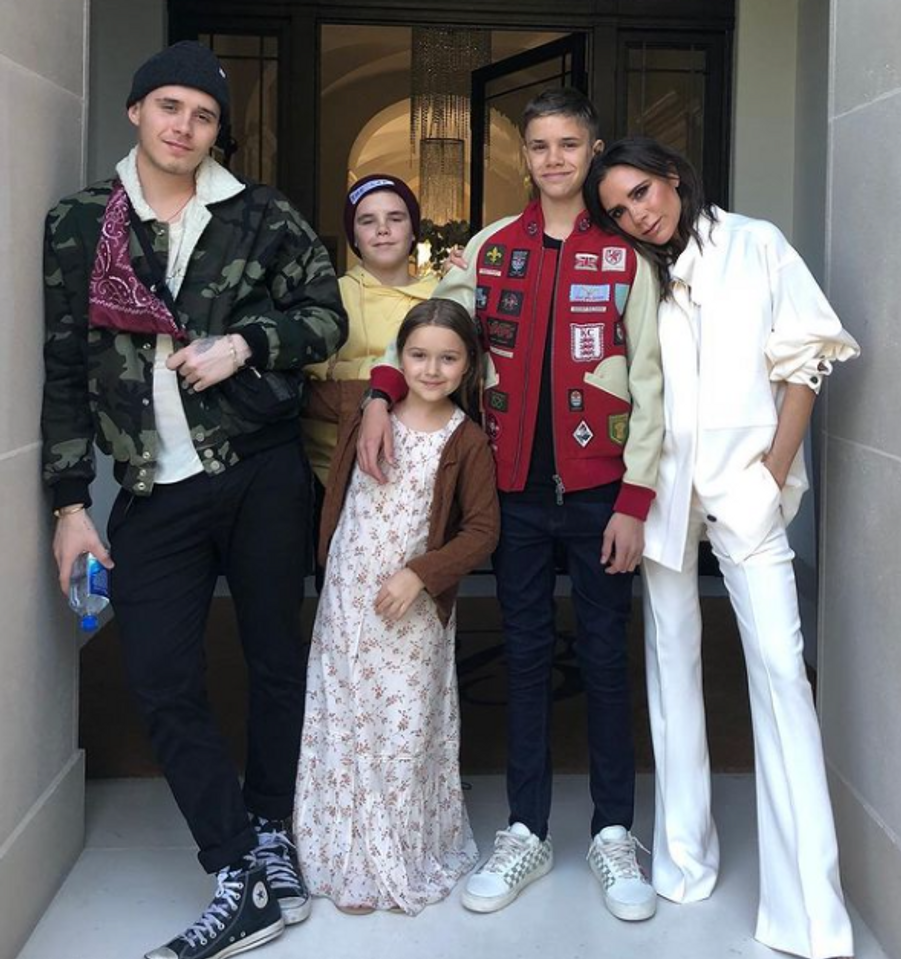Brooklyn, Cruz, Harper et Romeo Beckham avec leur mère Victoria Beckham en avril 2018