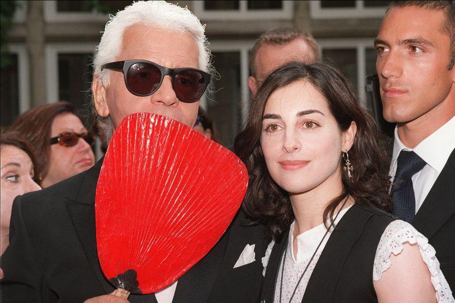 AvecAmira Casar en 2001