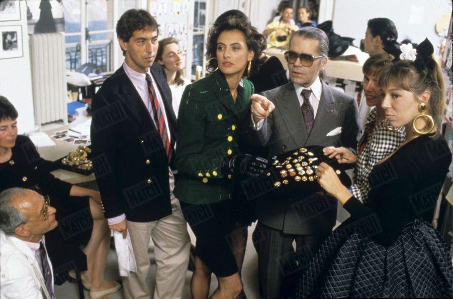 Inès de la Fressange et Karl Lagerfeld en 1987