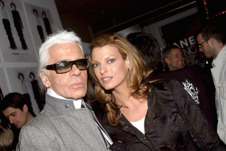 AvecLinda Evangelista en 2005