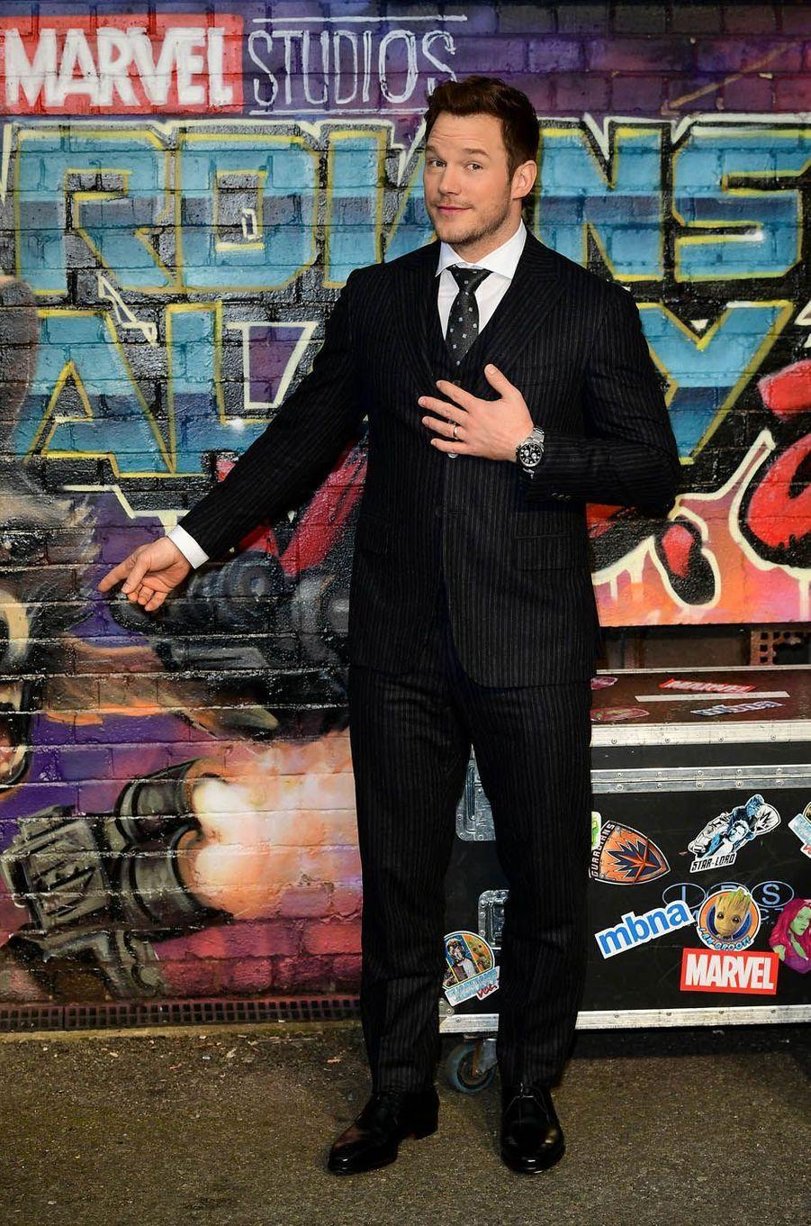 """Chris Pratt à l'avant-première des """"Gardiens de la Galaxie : volume 2"""" à Londres."""