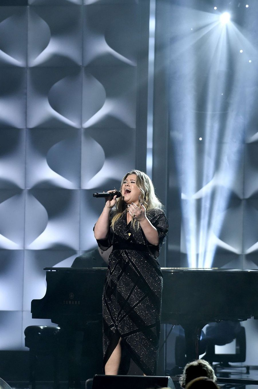 Kelly Clarkson lors des Billboard Women in Music 2017, le 30 novembre 2017.