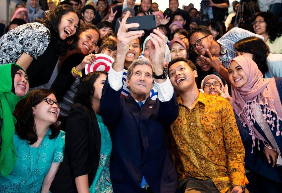 Le secrétaire d'État américian John Kerry à Jakarta, le 16 février 2014