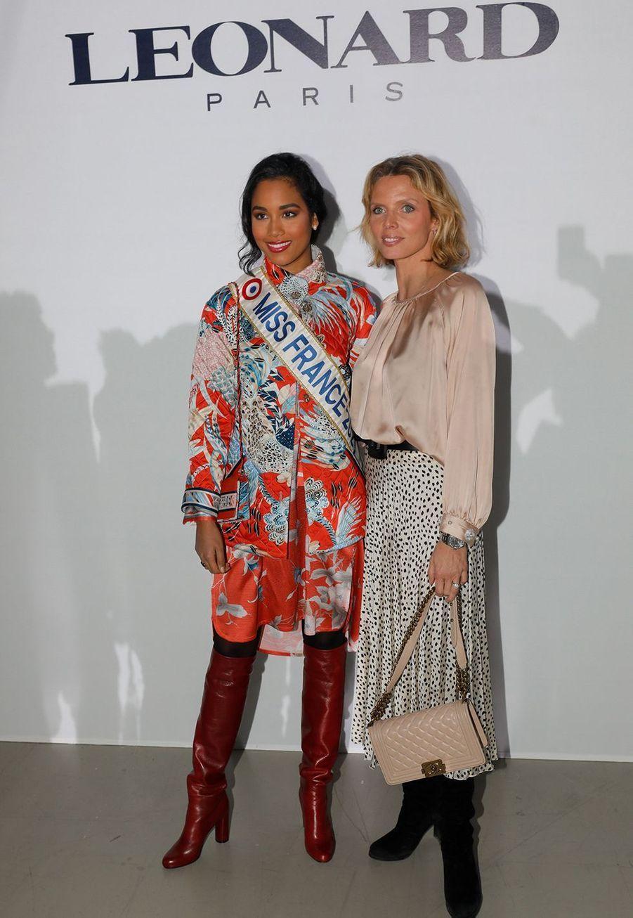 Clémence Botino et Sylvie Tellierau défilé Léonard à Paris le 27 février 2020