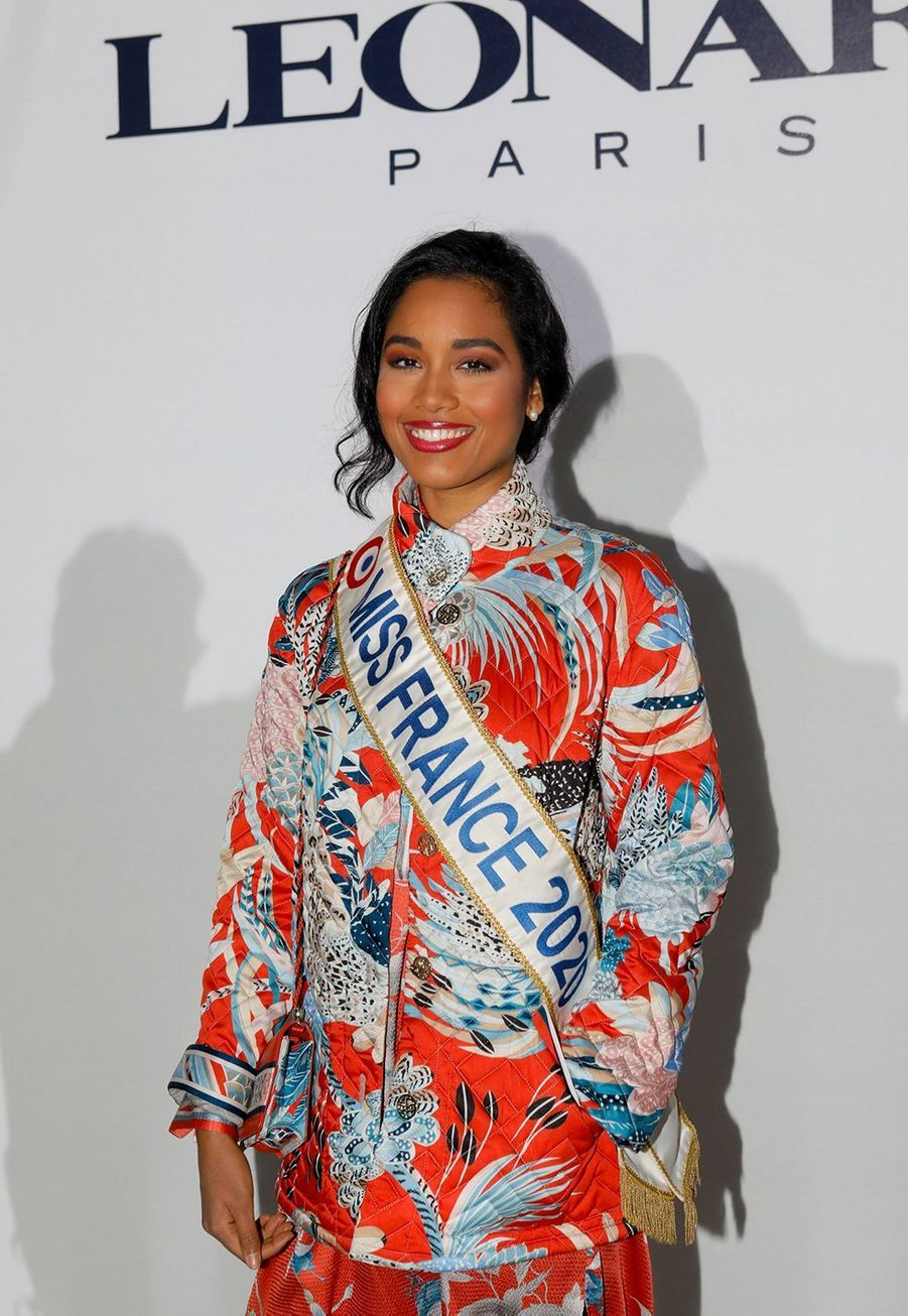 Clémence Botino (Miss France 2020)au défilé Léonard à Paris le 27 février 2020