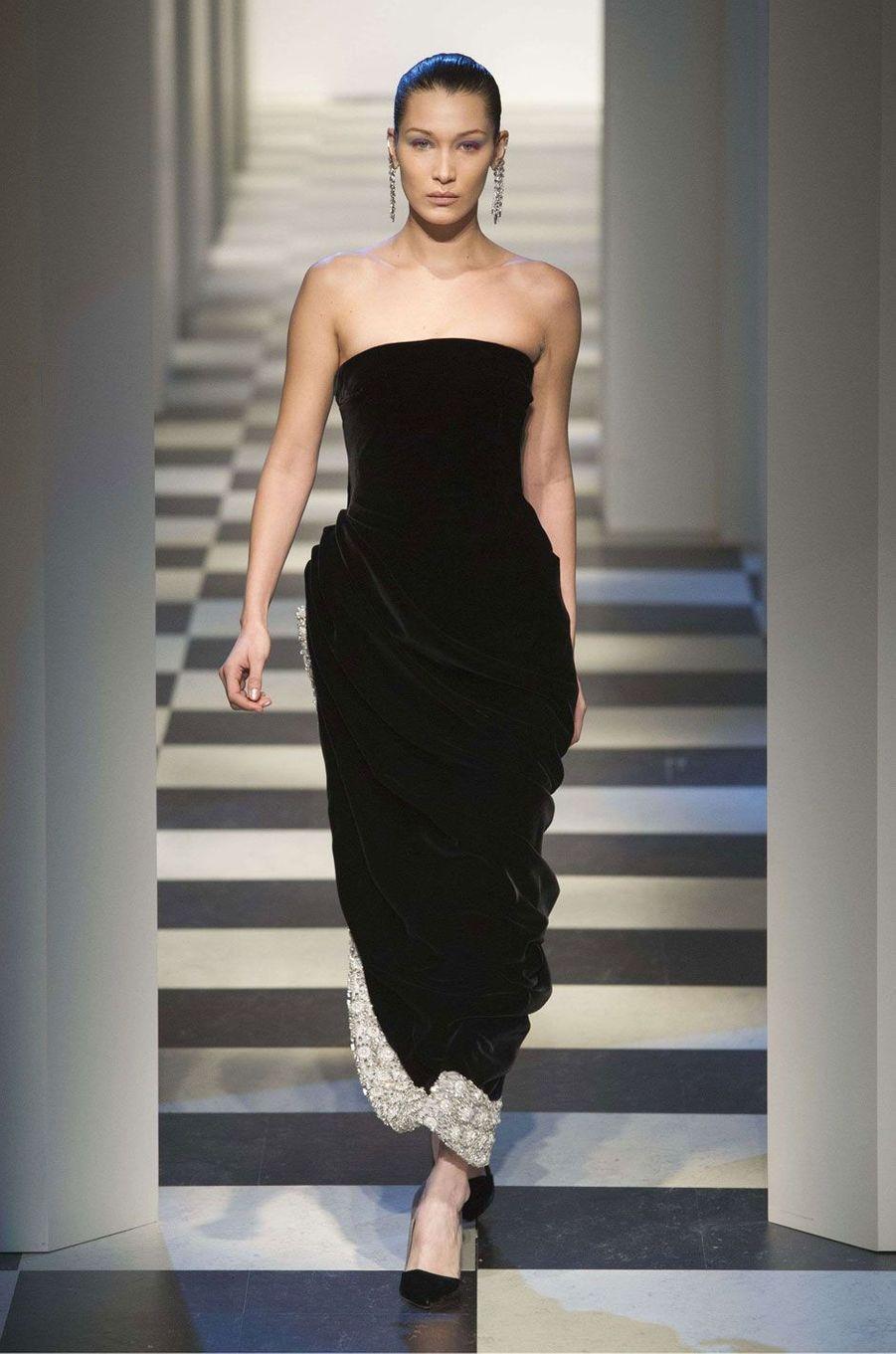 Bella Hadid au défilé Oscar de la Renta à New York.
