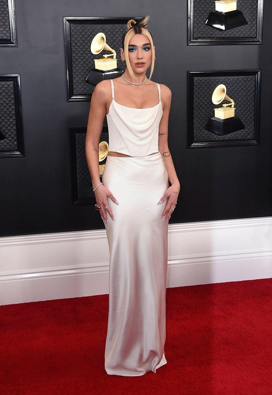 Dua Lipaà la soirée des Grammy Awards à Los Angeles le 26 janvier 2020.