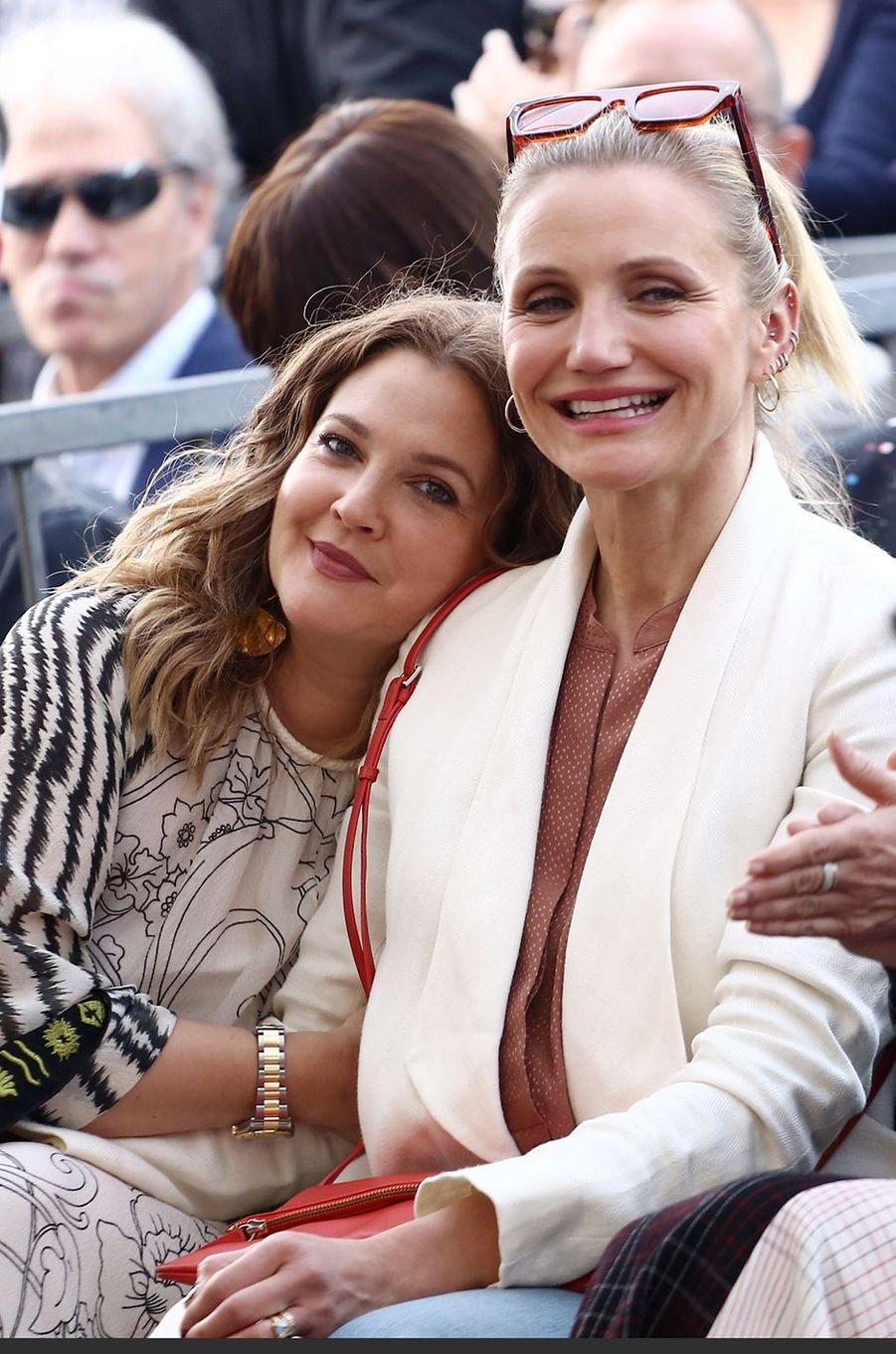 Drew Barrymore et Cameron Diaz : des Anges amies pour la vie. Si elles ont collaboré ensemble au début des années 2000 dans «Charlie's Angels», les deux actrices se connaissaient déjà bien avant. «Elle avait 16 ans et j'en avais 14 lorsque nous sommes devenues amies. (...) Nous avions des amis en commun», avait révélé la première en 2013 dans le talk-show de Katie Couric.