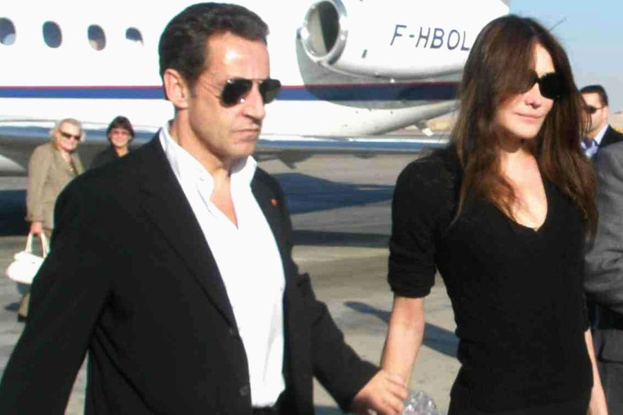 Carla Bruni et Nicolas Sarkozy à Louxor, en décembre 2007.