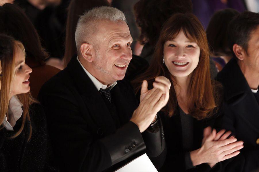Carla Bruni et Jean Paul Gaultier à Paris, en janvier 2014.