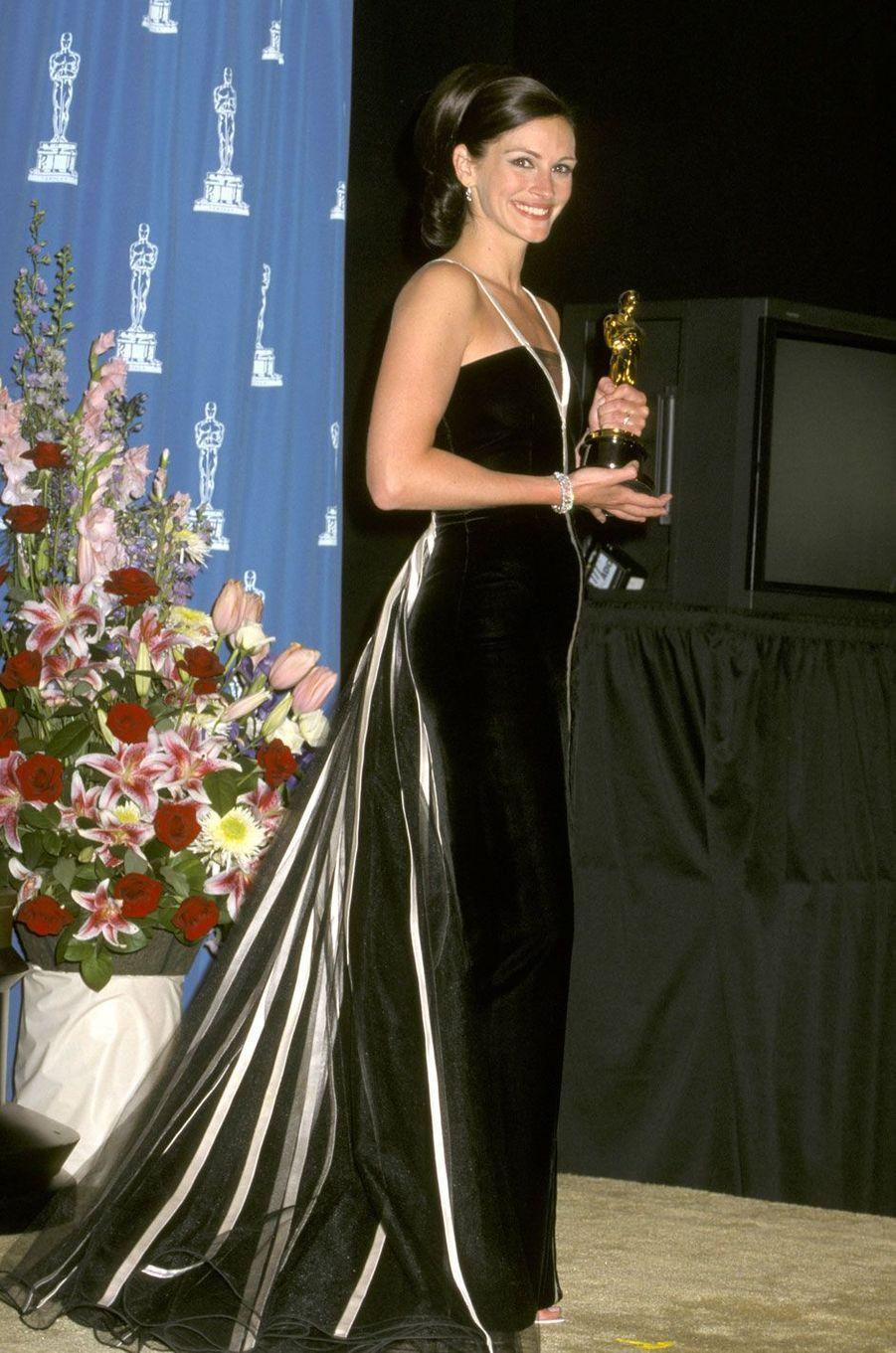 Julia Roberts en Valentino en 2001