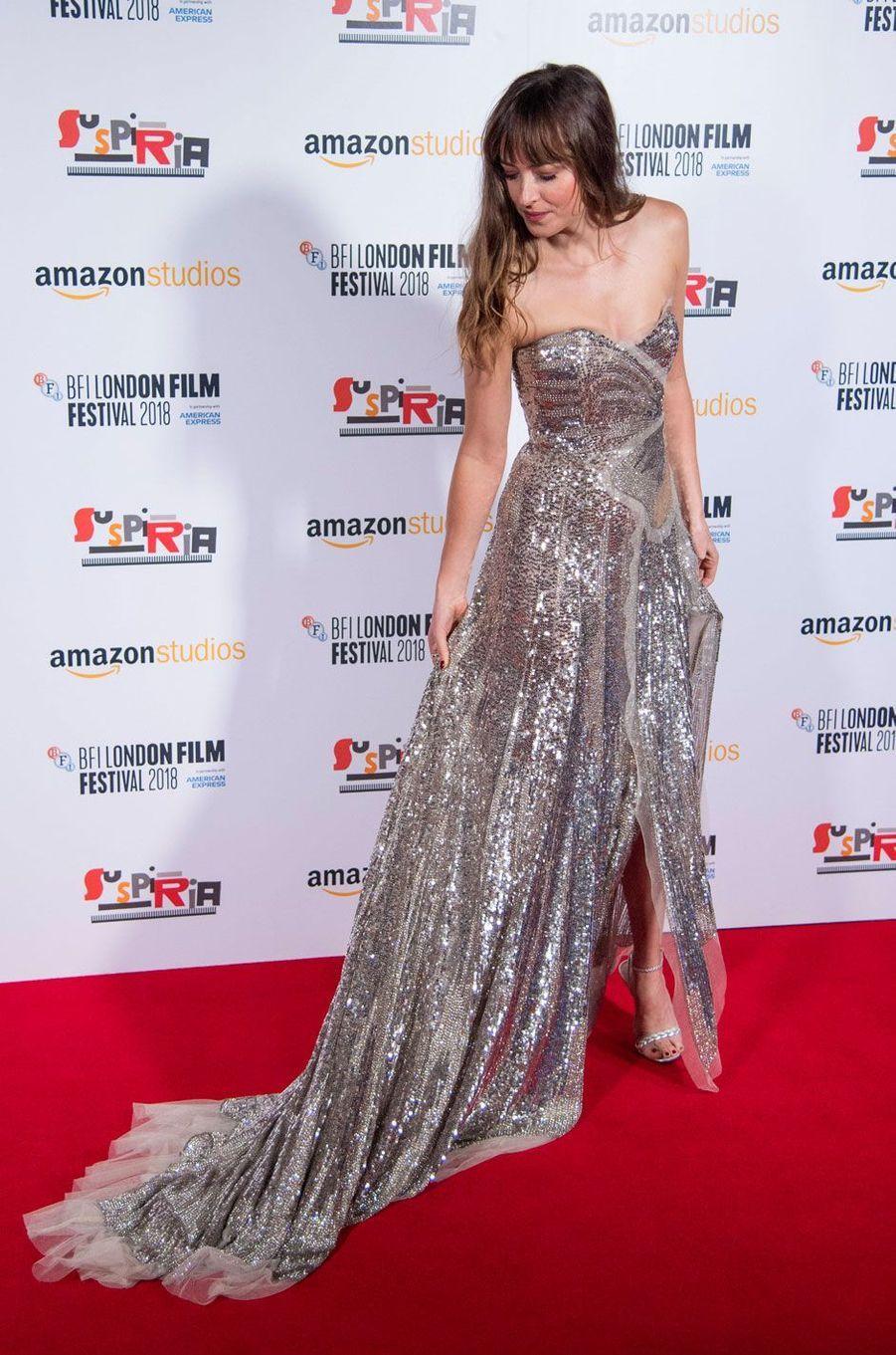 """Dakota Johnson à la première de """"Suspiria"""" à Londres"""