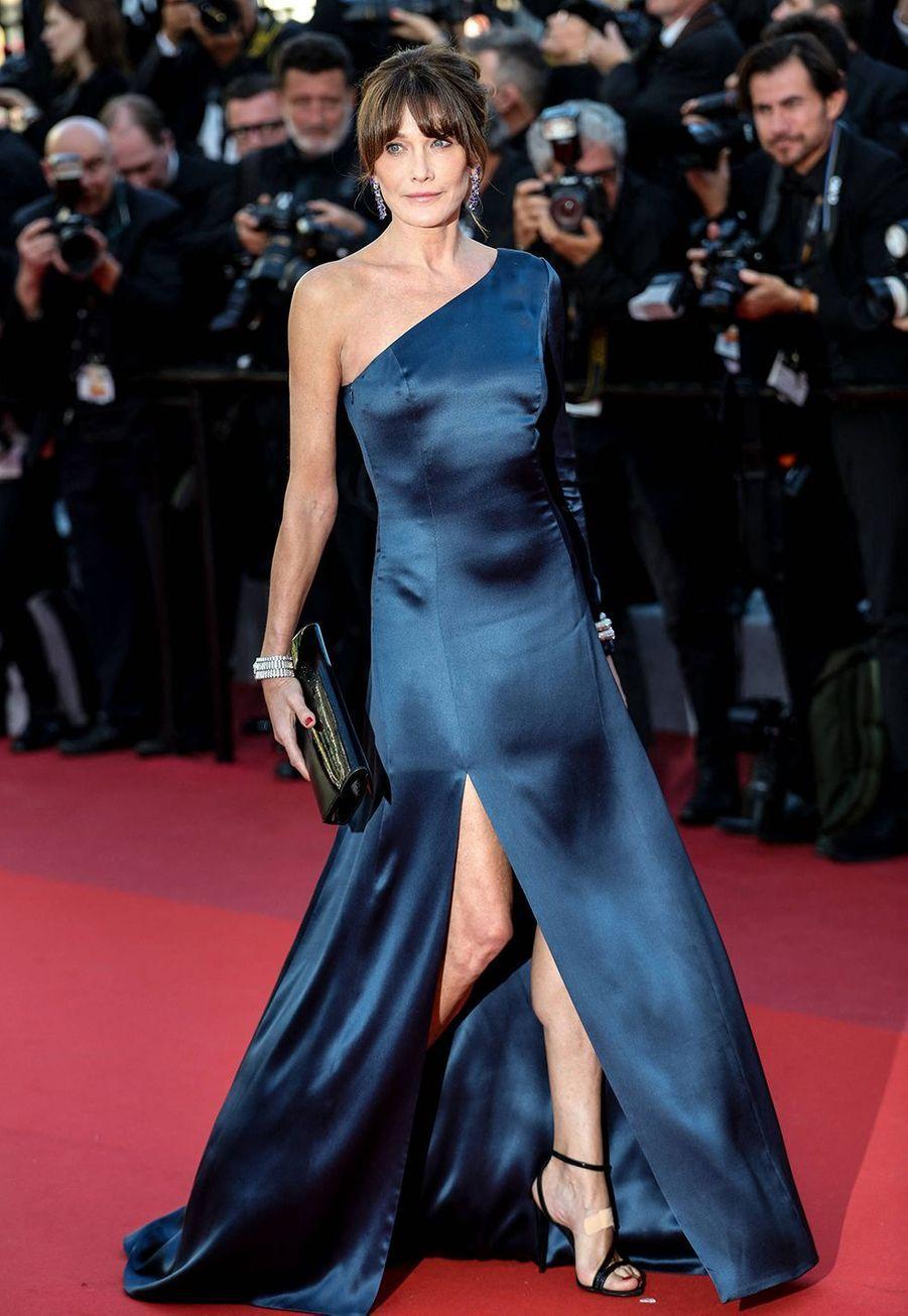 Carla Bruni en robe Céline au Festival de Cannes le 22 mai 2019.