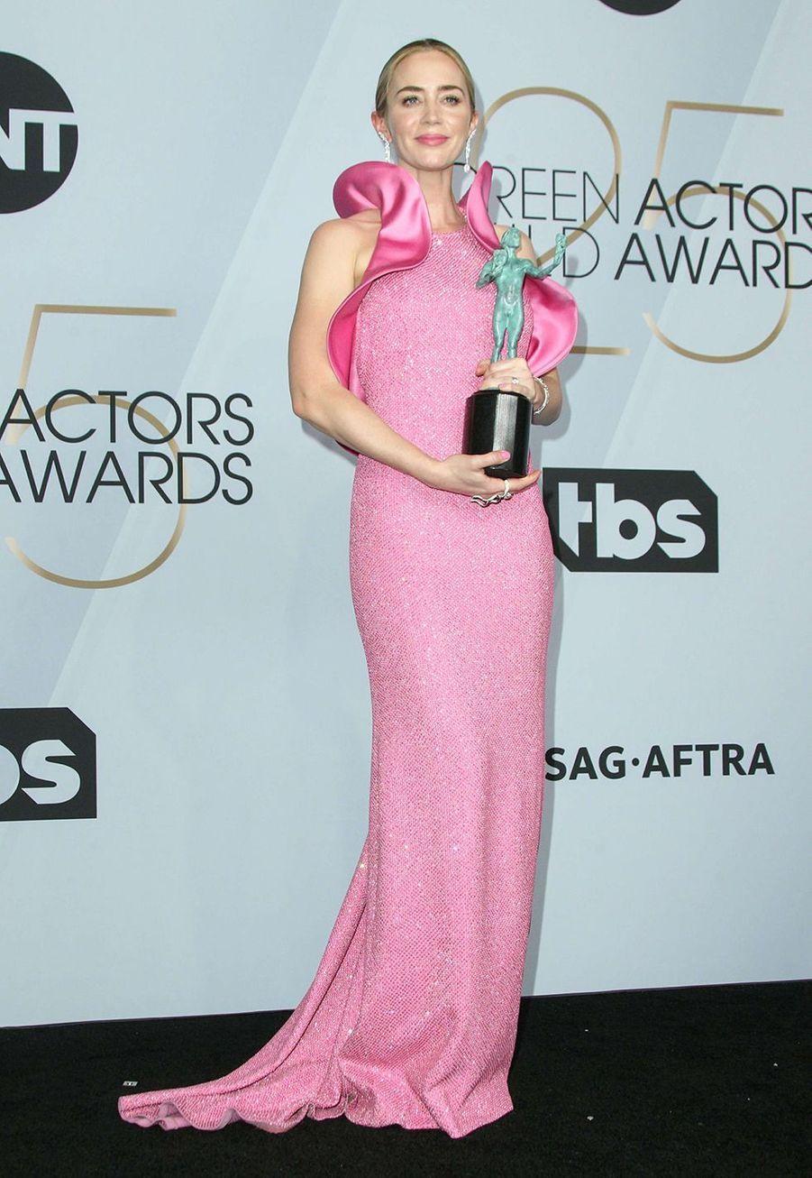 Emily Blunt en robe Michael Kors auxScreen Actors Guild Awards à Los Angeles le 27 janvier 2019.