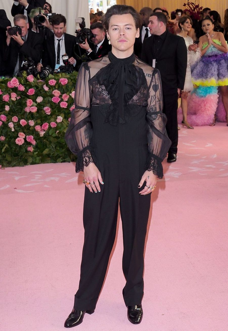 Harry Styles habillé en Gucci au Met Gala à New York le 6 mai 2019.