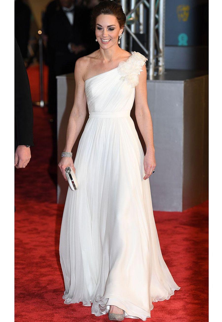 Kate Middleton en robe Alexander McQueen auxBritish Academy Film Awards à Londres le 10 février 2019.