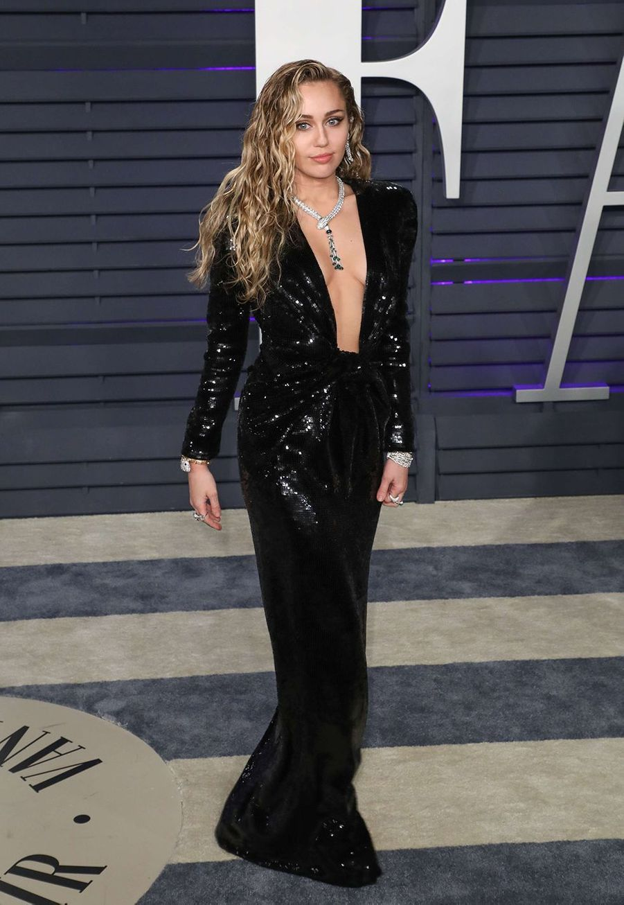 Miley Cyrus en robe Saint Laurent aux Oscars à Hollywood le 24 février 2019.