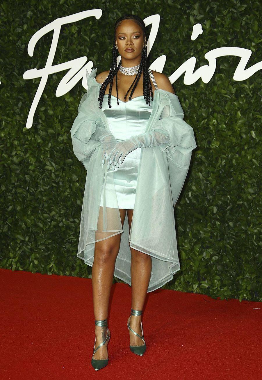 Rihanna en robe Fenty aux British Fashion Awards à Londres le 2 décembre 2019.