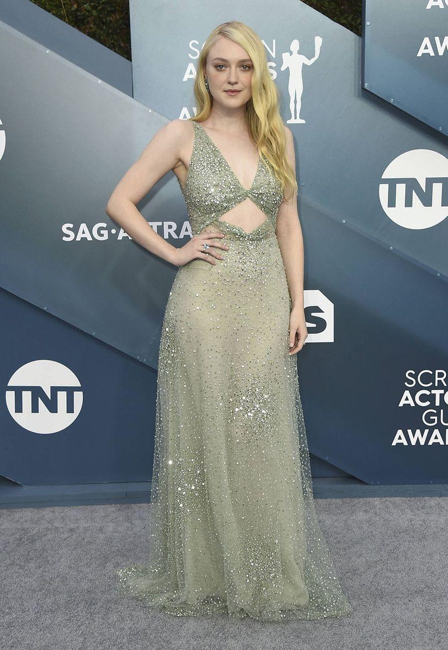 Dakota Fanning habillée d'une robe Valentinolors desScreen Actors Guild Awards à Los Angeles, le 19 janvier 2020.