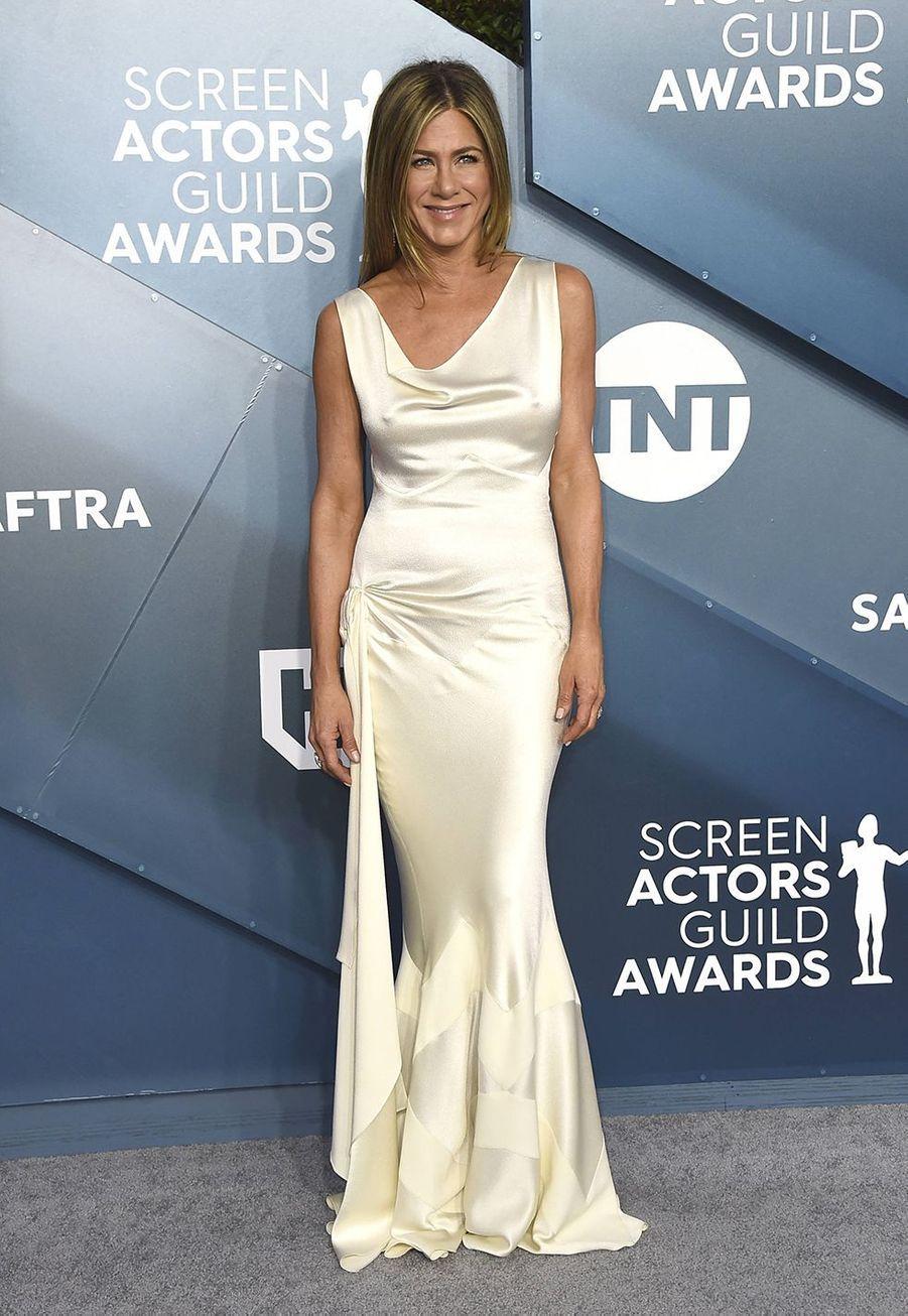 Jennifer Anistondans une robe créée par John Galliano pour Dior,lors desScreen Actors Guild Awards à Los Angeles, le 19 janvier 2020.