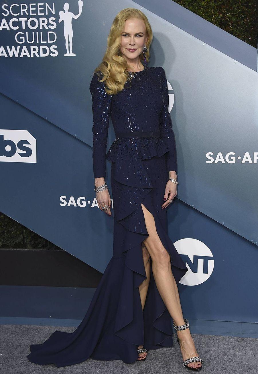 Nicole Kidman habillée d'une robe Michael Korslors desScreen Actors Guild Awards à Los Angeles, le 19 janvier 2020.