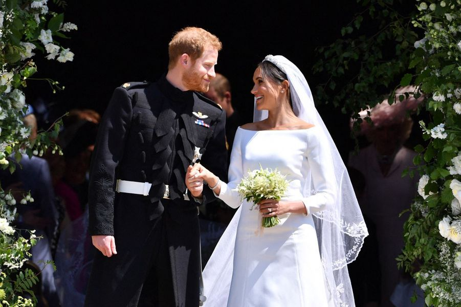 C'est par l'intermédiaire d'une amie en commun que Meghan Markle et le prince Harry se sont rencontrés. «C'était clairement un coup monté, un rendez-vous arrangé», s'était amusée laduchesse de Sussex au micro de la BBC en 2016.Ils ont tellement accroché qu'ils sont partis quelques mois plus tard au Botswana. Après leur mariage en 2018, ils ont agrandi la famille en accueillant Archie (1 an).