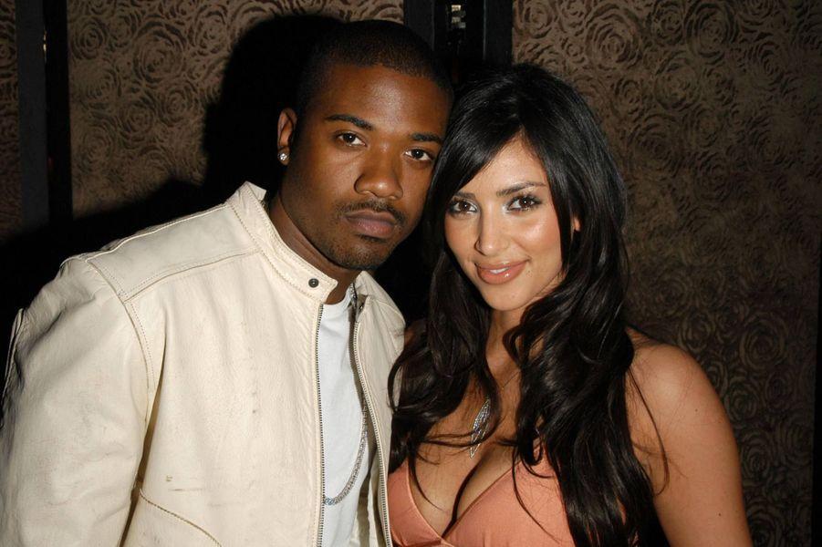 La sextape de Kim Kardashian (ici avec son ex-compagnon Ray J en 2006) : c'est avec lui qu'elle avait tourné sa fameuse sextape. «Je suis au courant de la façon dont j'ai été introduite au monde. C'était d'une façon négative donc j'ai compris que je devais travailler dix fois plus dur pour que les gens me voient telle que je suis... Je me suis sentie humiliée», avait-elle dit en 2012 dans le talk-show d'Oprah Winfrey, «Oprah's Next Chapter».