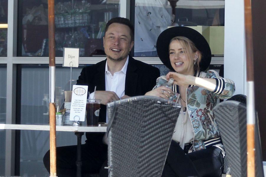 Amber Heard et Elon Musk ont rompu en septembre 2017 après 3 mois de relation.