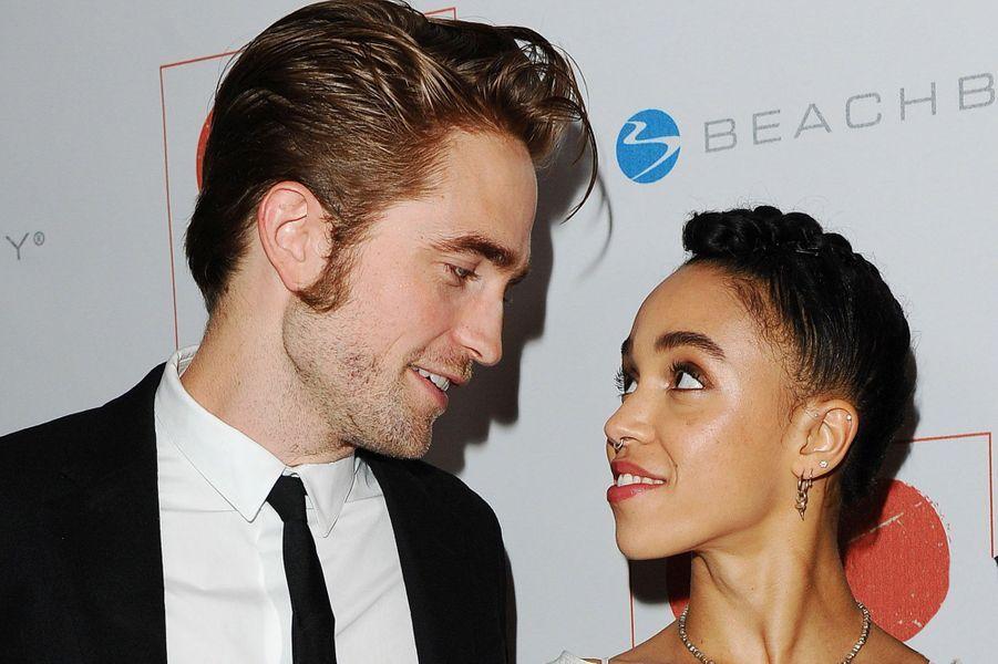 Robert Pattinson et FKA Twigs ont rompu en octobre 2017 après 3 ans de vie commune.