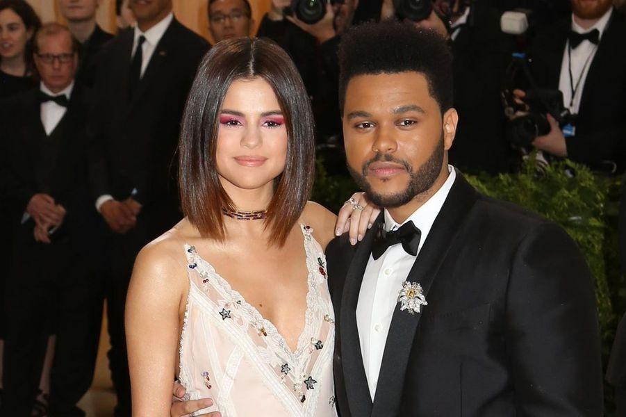 Selena Gomez et The Weeknd ont rompu en octobre 2017, après un an de relation.