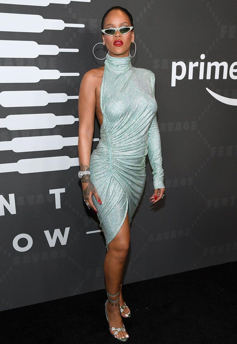 "Rihanna au défilé de saligne de lingerie ""Savage X Fenty"""