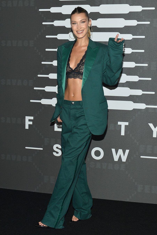 """Bella Hadidau défilé de laligne de lingerie """"Savage X Fenty"""""""