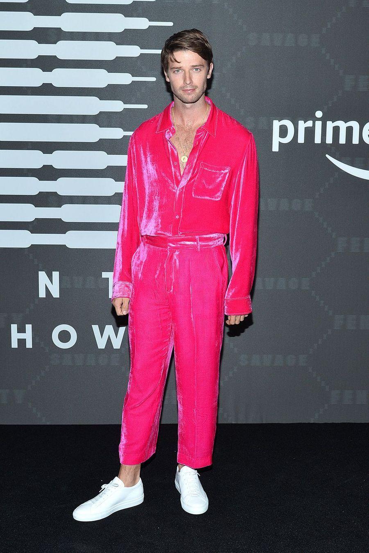 """Patrick Schwarzeneggerau défilé de laligne de lingerie """"Savage X Fenty"""""""