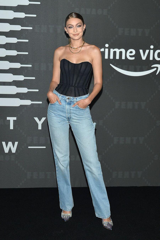 """Gigi Hadid au défilé de laligne de lingerie """"Savage X Fenty"""""""