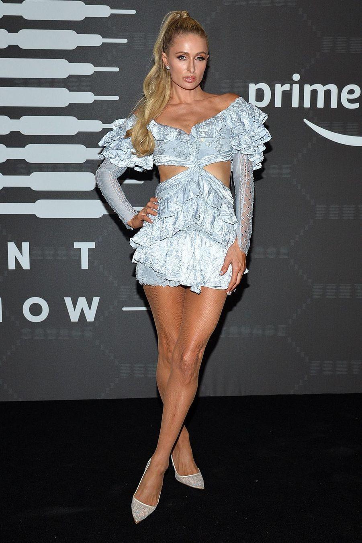 """Paris Hilton au défilé de laligne de lingerie """"Savage X Fenty"""""""