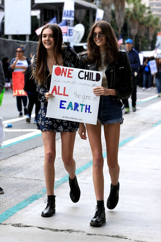 Kaia Gerber et Charlotte Lawrence