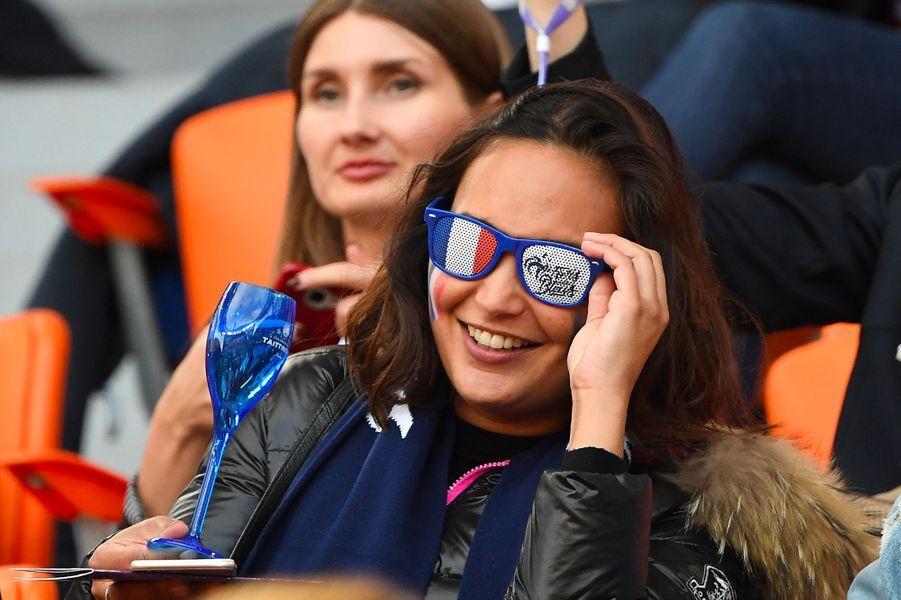Valérie Bègue dans les tribunes du match France-Pérou