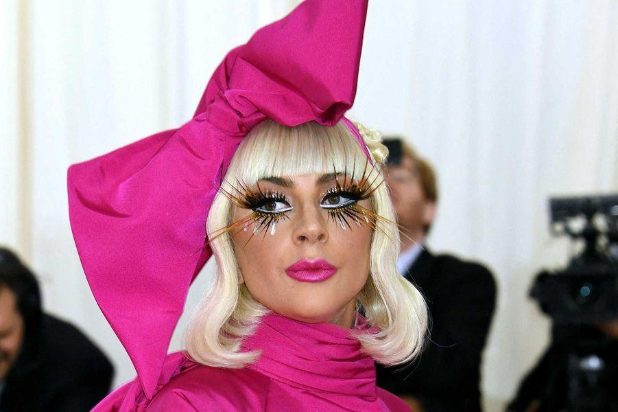 La marque de cosmétiques de Lady Gaga, Haus Labs, reversera 20% de ses revenus de début mars sur le web à deux banques alimentaires de Los Angeles et New York.