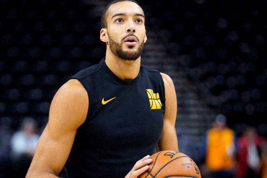 Rudy Gobert a versé 500 000 dollars pour aider le système de santé français et les employés de la salle du Utah Jazz, au chômage technique depuis la suspension de la saison de la NBA.
