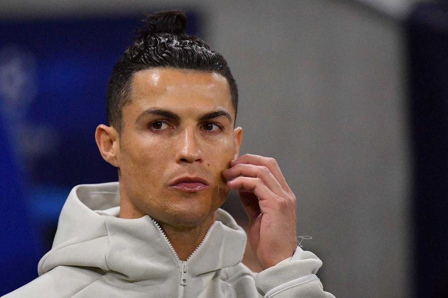 Cristiano Ronaldo a fait don dede trois unités de soins intensifs à des hôpitaux portugais.