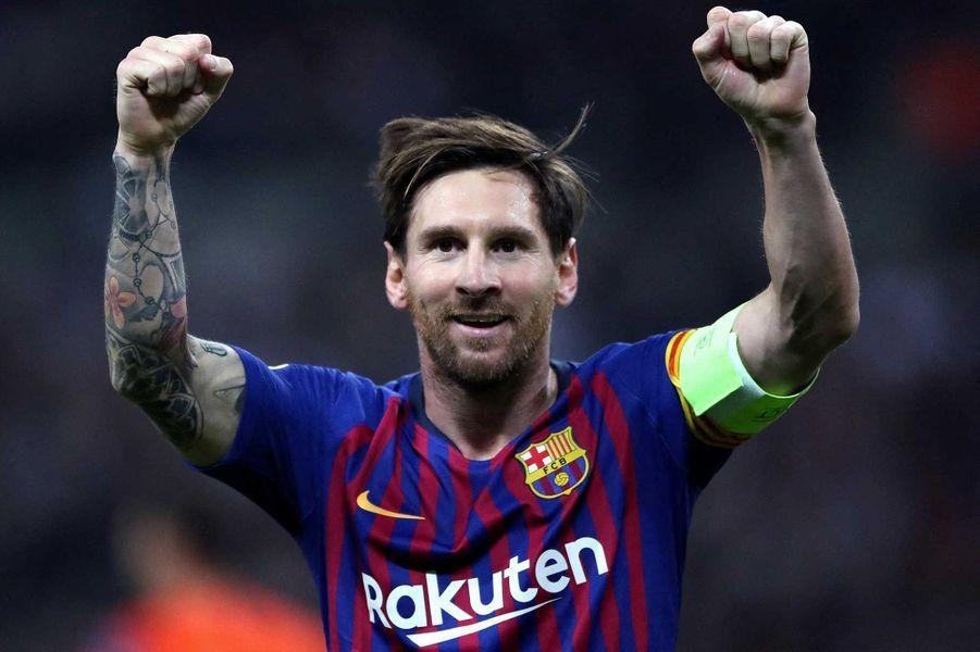 Lionel Messi a donné 1 million d'euros pour la lutte contre le corona virus en Espagne.