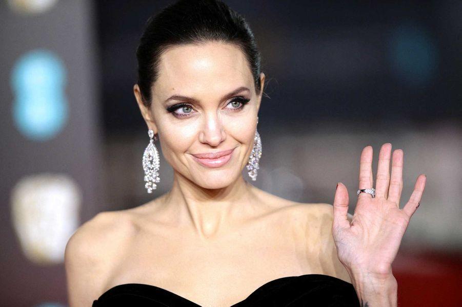 Angelina Jolie a fait don d'un million de dollars à l'organisationNo Kid Hungry.