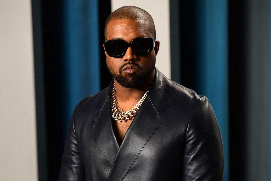 Kanye West a fait des dons à deux organisations alimentaires à Chicago et Los Angeles.