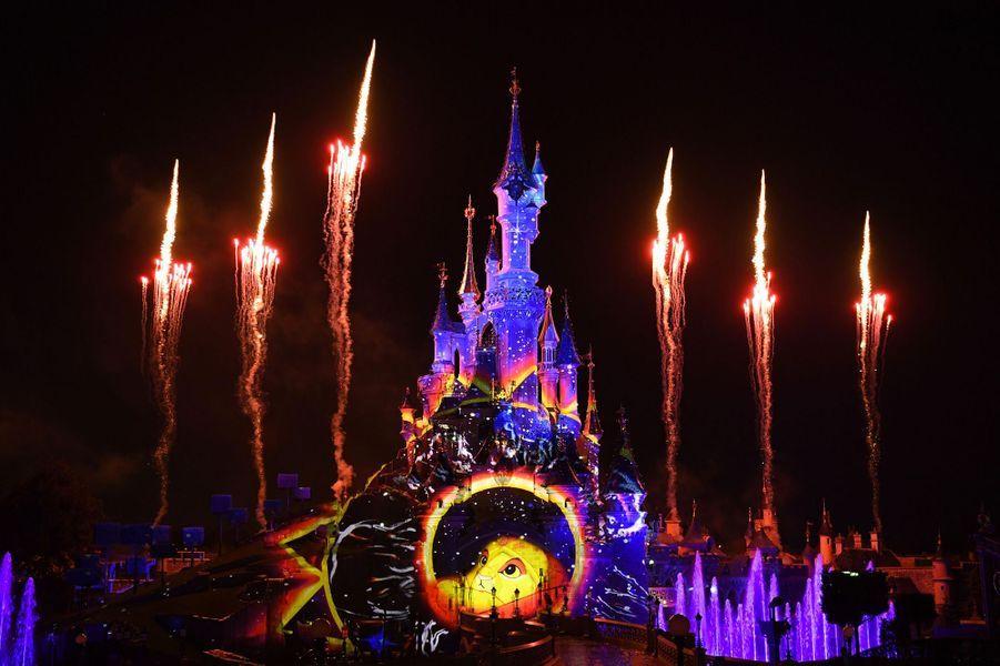 Disneyland Paris a fêté les 25 ans du parc ce weekend.