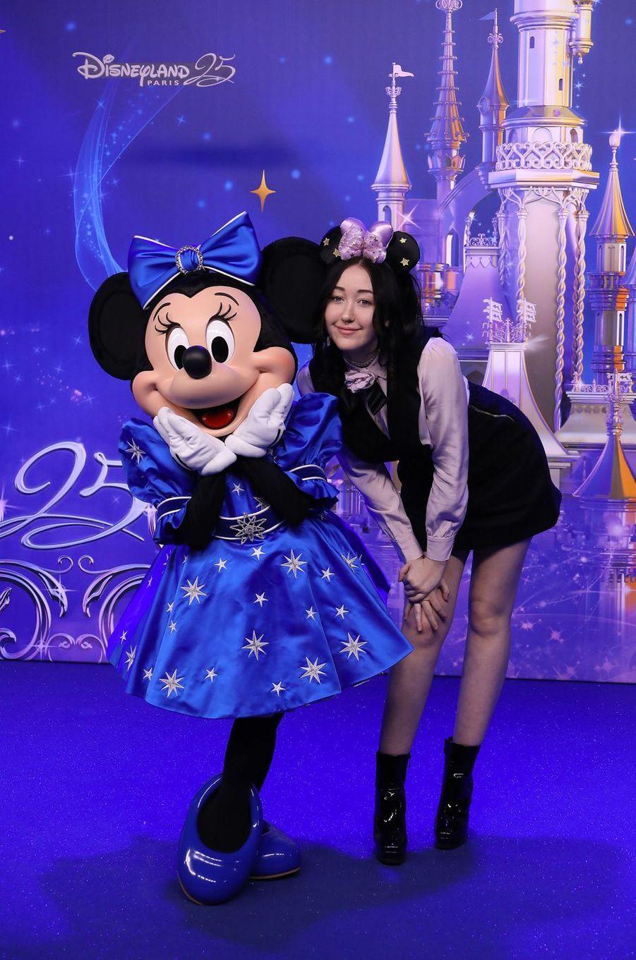 Noah Cyrusà Disneyland Paris.